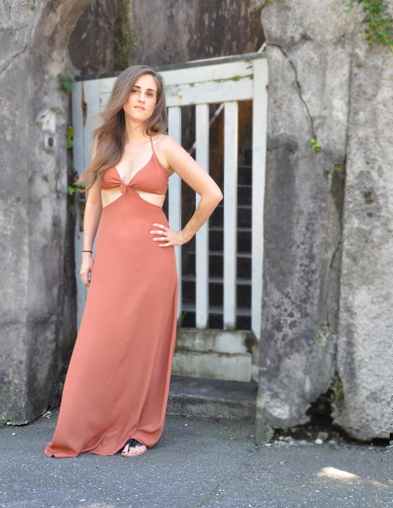 The maxi dress is from Forever 21 and perfectly for a beautiful summer day.