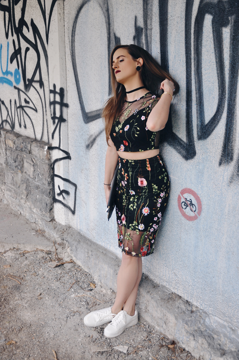 My spring look with a transparent flower pattern dress from shein.com with white sneakers from H&M and a cardigan from Only.
