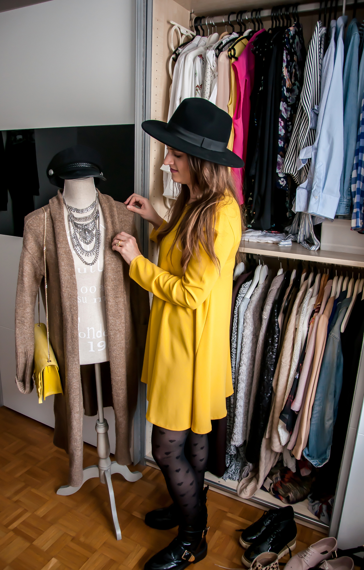 Fashionblogger, Andrea Steiner from Strawberries 'n' Champagne sell her Look at Tradono.