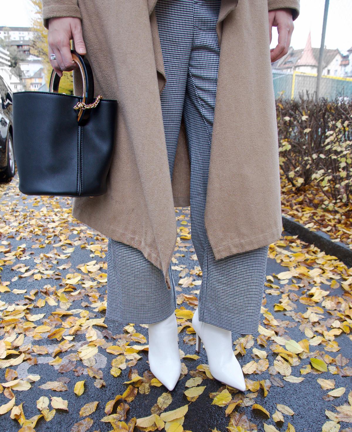 Andrea Steiner vom Lifestyle Blog Strawberries n Champagne zeigt Klamotten für den Herbst.