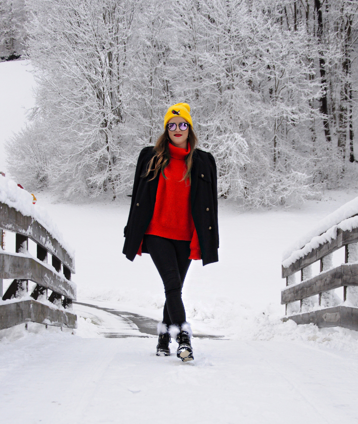 Andrea Steiner with her fashion blog from Lucern (Switzerland) wear Sorel boots for Winter.