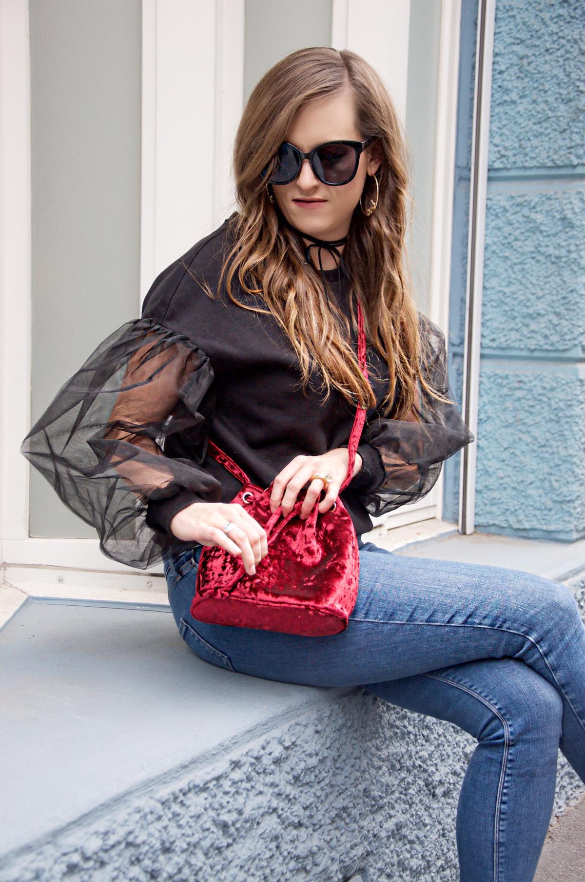 Andrea Steiner vom Mode blog Strawberries und Champagne aus der Schweiz gibt ein paar Styling Tips für das beste und bequemste Weihnachtsoutfit.