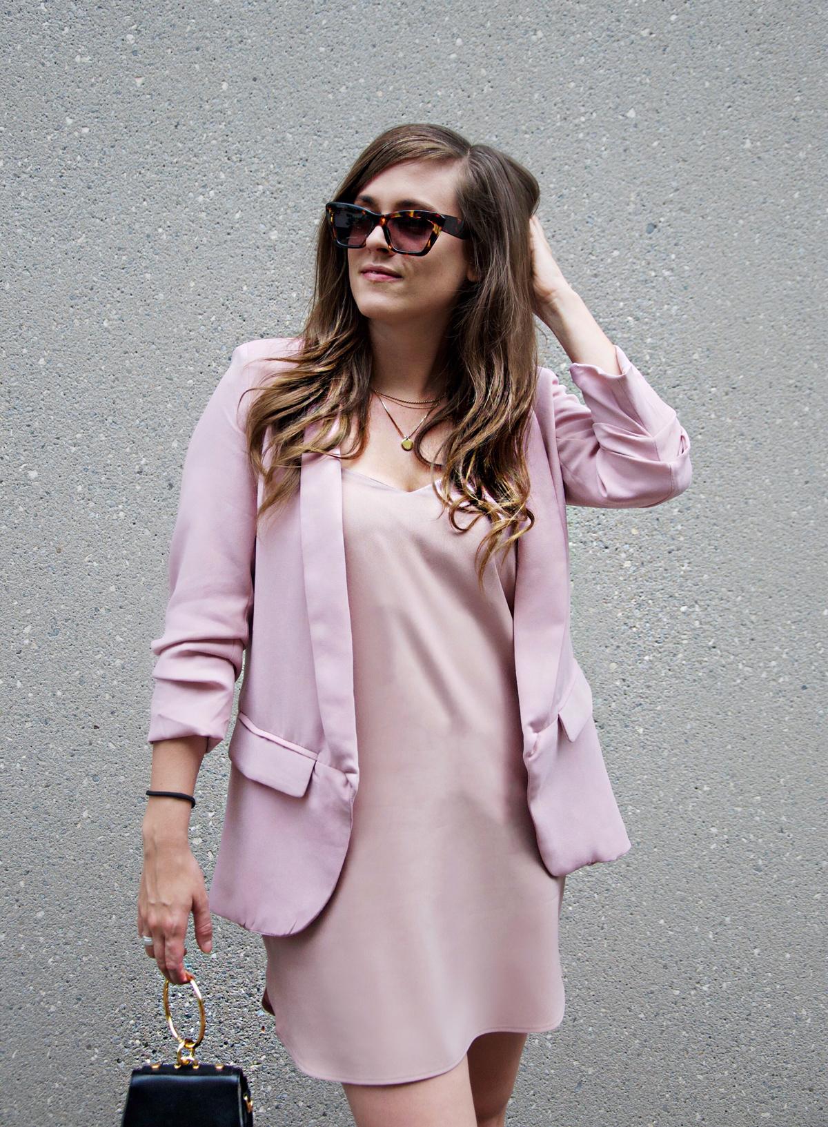 Millennial Pink mit einem pinken Blazer von shein.com und einem pinken Slipdress von ASOS. Mode Blog Strawberries n Champagne.