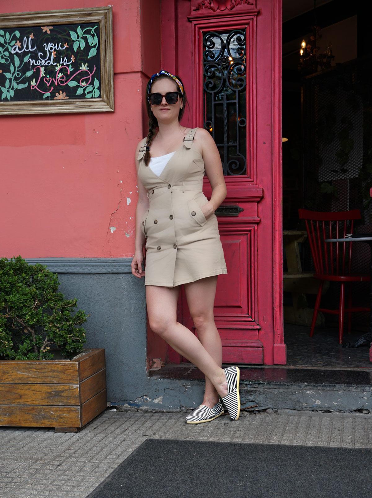 Sommertrend 2019, der All-Over-Look mit der Trendfarbe Beige.
